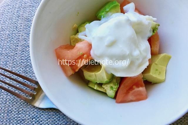 玉ねぎヨーグルト+サラダ